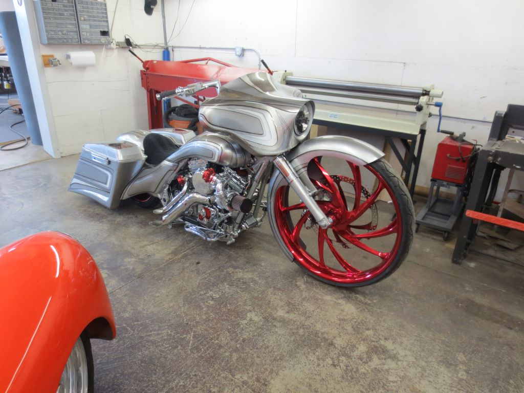 Harley-Davidson Bagger Motorcycle Big Wheel custom seat drop seat buel yamaha indian motorcycles Chicago upholstery