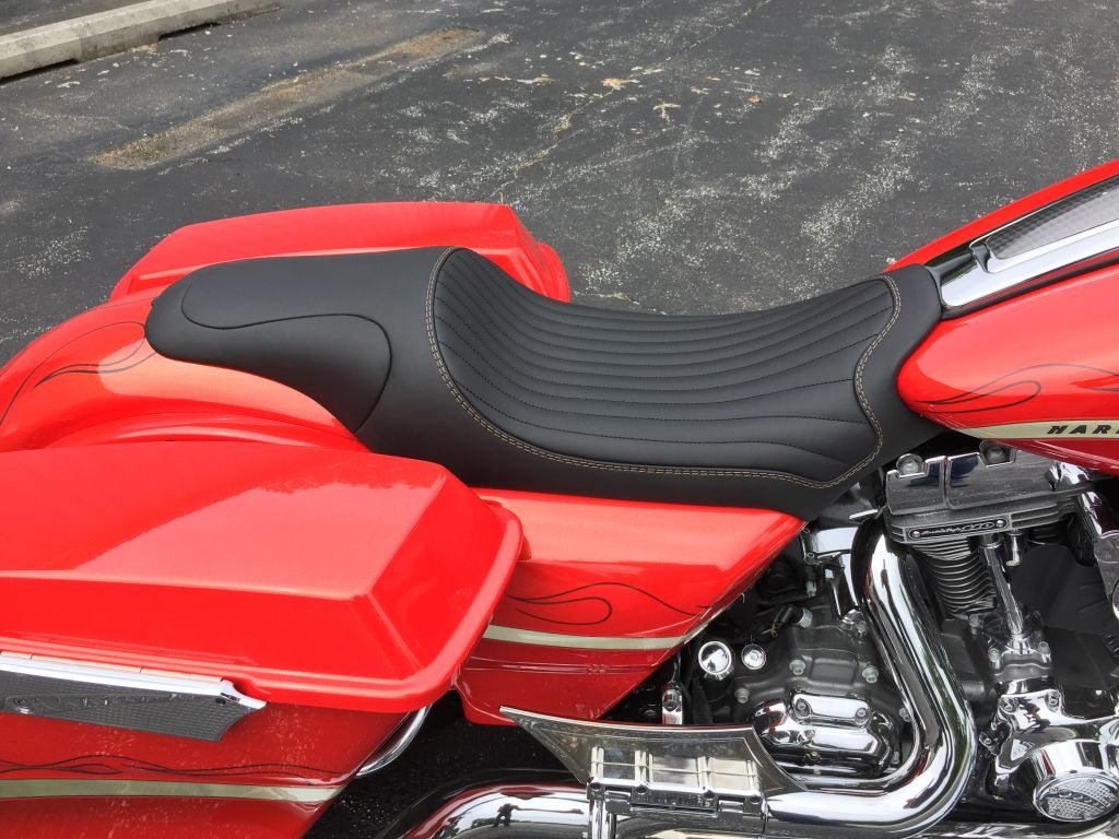 custom bagger, bagger, big wheel bagger, custom seat, custom seats, harley davidson, custom motorcycle, high end seats, luxury, expensive seats, custom upholstery, baddest bagger, bagger seat